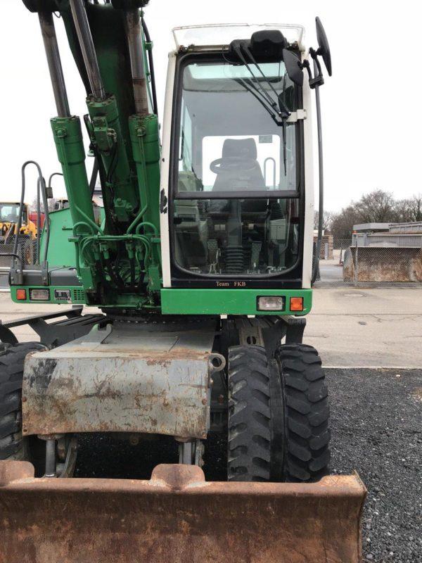 LIEBHERR 904 Excavator