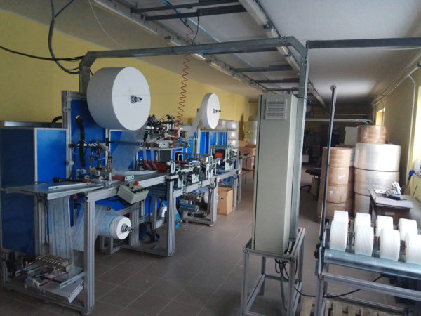 Half-automatical baby diaper machine line
